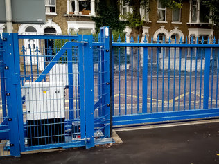 Sliding gate example