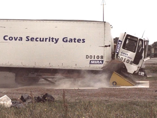 CSG 10503 wedge barrier test at 50mph
