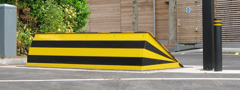 CSG 10506 Vehicle blocking wedge barrier